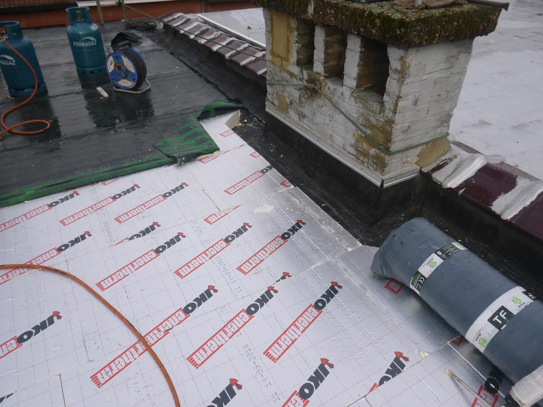 Isolation plateforme et placement d'une sous-couche de roofing à Uccle - TABART S.A. - Tabart